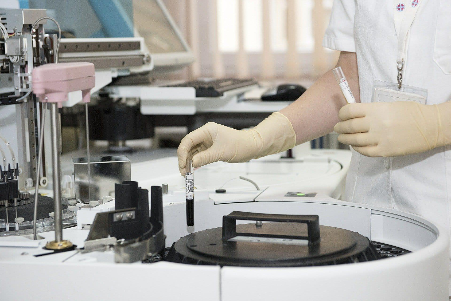 Laboratorios de investigación médica_biológica y CPDs